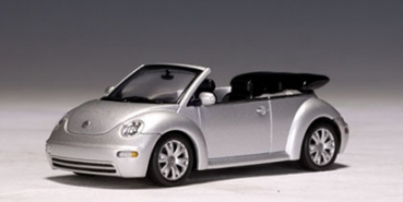 AutoArt 59758 | 1:43 VW NEW BEETLE Cabrio 2003, silber