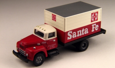 ClassicMetalWorks 30166 | H0  1950's iH R-190 Sante Fe Express Truck
