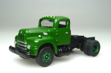 ClassicMetalWorks 31112 | H0 IH R-190 Tractor green